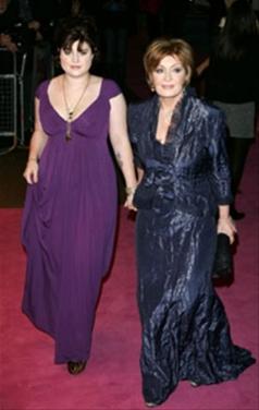 Kelly y Sharon Osbourne
